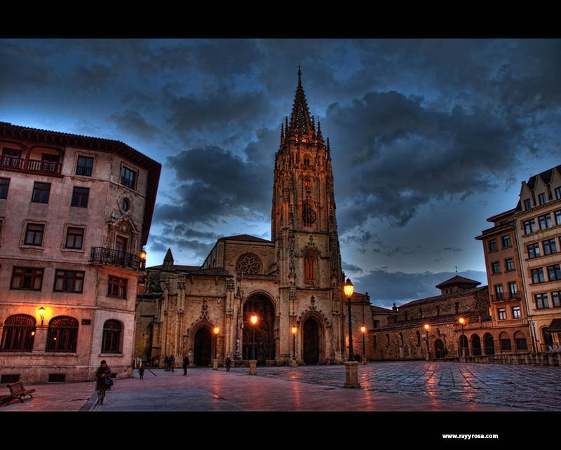 La impresionante catedral de Oviedo