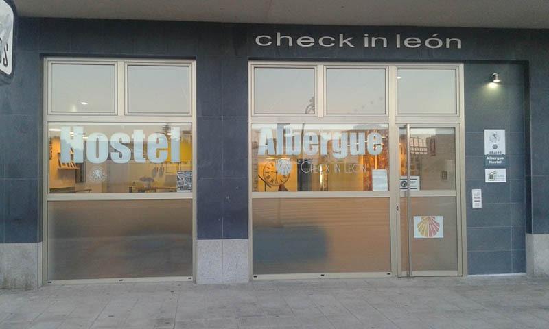 Albergue Check in Leon