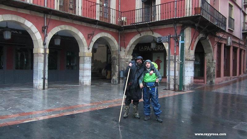 Saliendo de León por la Plaza del Ayuntamiento