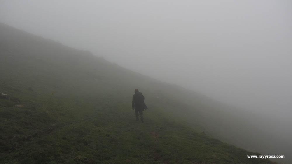 La niebla entre el Canto de la tusa y la sierra del Cuchillo